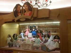 Muñecas históricas en American Girl Place