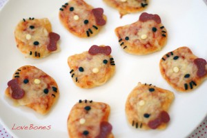 mini pizzas hello kitty