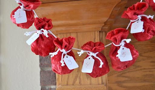 Calendarios adviento con mini-sacos de Papá Noel