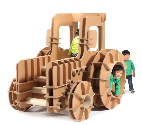 Juguetes de cartón tractor