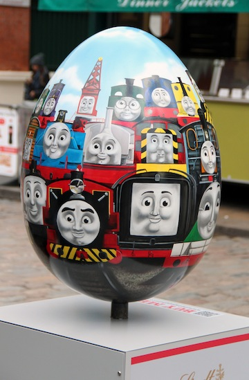 huevo de pascua de thomas and friends