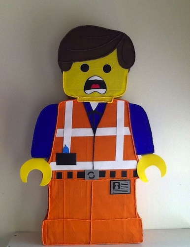 Lego piñata, lego la película pinata. Fiesta de lego. Decoración de lego. Lego.
