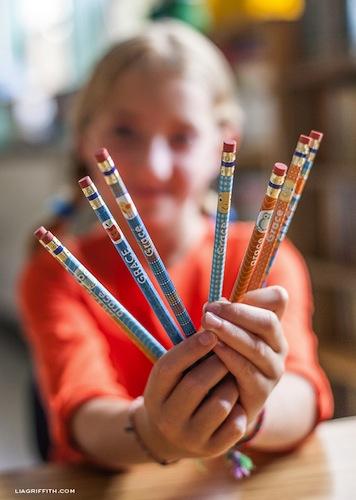 Descarga etiquetas personalizadas gratis para marcar lápices