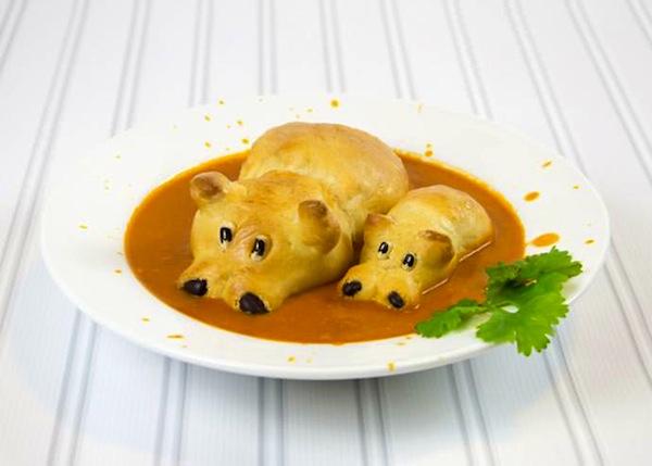 Comida infantil decorada sopa