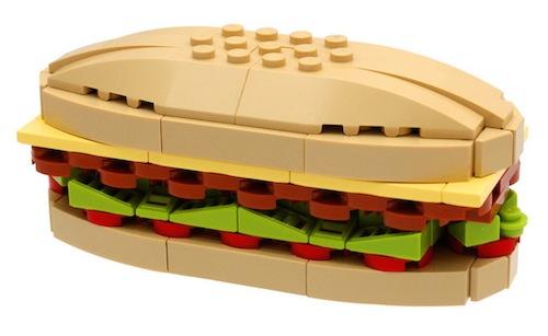 Bocata construido con bloques LEGO