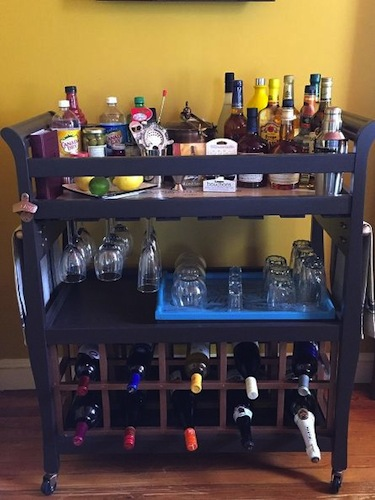 reciclar cuna en mueble bar