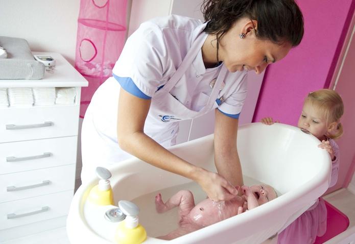 asistente maternidad puerperio holanda