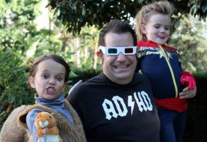 John Marcotte y sus dos hijas