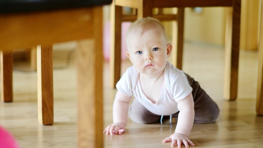 adaptar casa a bebe gateo