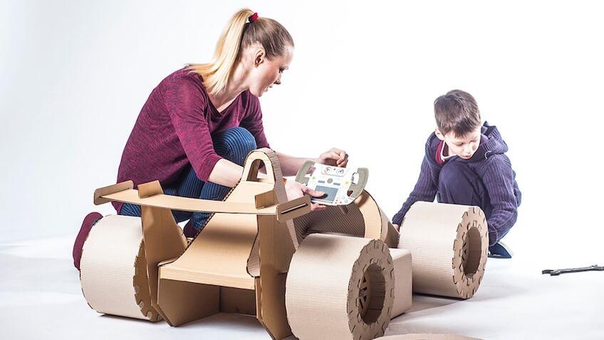 juguetes de cartón DIY coche carreras