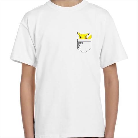 Camisetas infantiles de Pickachu con la frase PokemonCatch em all