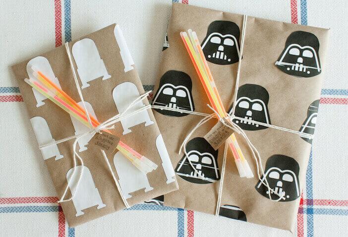 Envolver regalos de forma original para los fans de Star Wars
