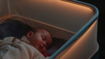 La minicuna de Ford, recrea un paseo en coche para dormir a los bebés