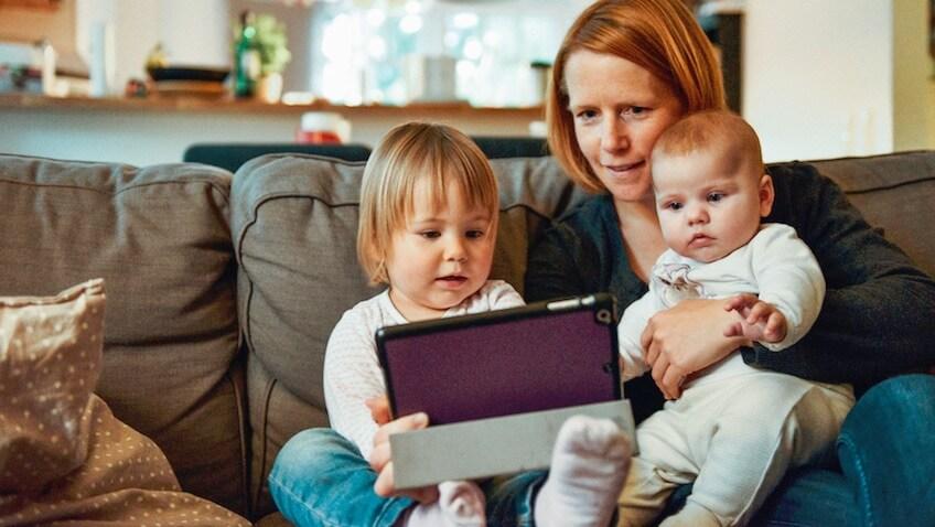 Los smartphones y tablets afectan el sueño de los bebés