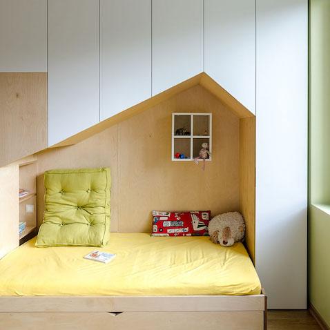 Cama con diseño de casa para habitación infantil para hermanos