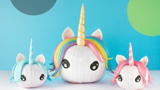 Calabazas decoradas de unicornios para Halloween