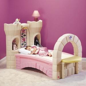 cama en forma de castillo