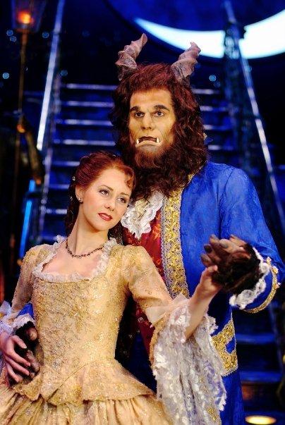 personajes la bella y la bestia el musical