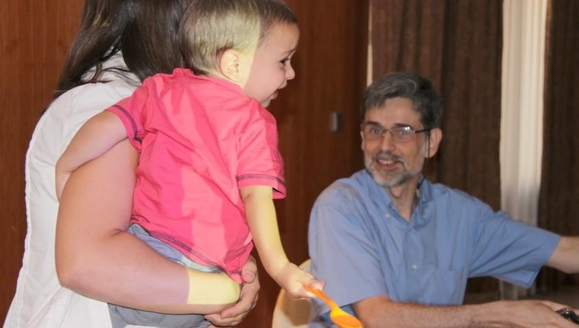 El pediatra Carlos González y la alimentación infantil y el Baby-Led Weaning PDF descargable