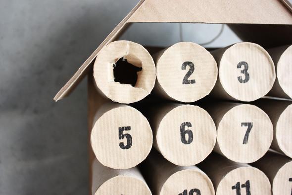 Calendario de adviento casero hecho con rollos de papel higiénico