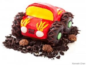 tarta en forma de monster truck