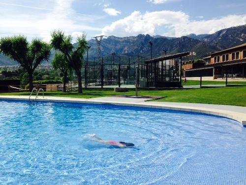Piscina de verano Berga Resort