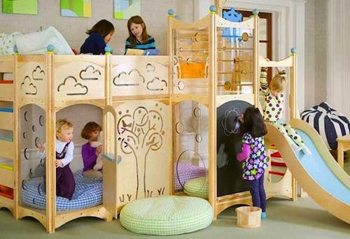 cama infantil con parque de juegos