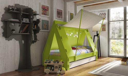 cama infantil en forma de tienda de campaña color verde
