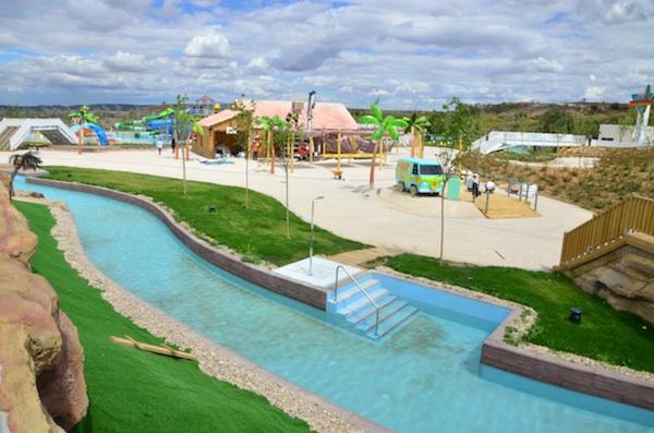 Atracción Río Loco Parque Warner Beach