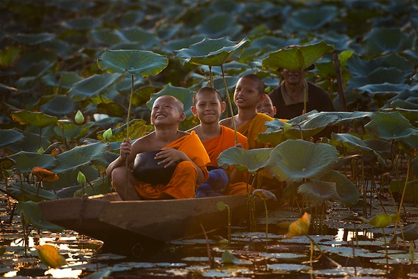 juego infantil en el agua en Tailandia