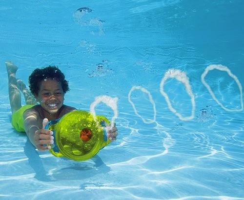juguete infantil para la piscina
