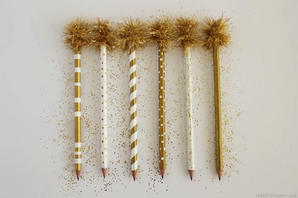 Lápices decorados dorado y blanco