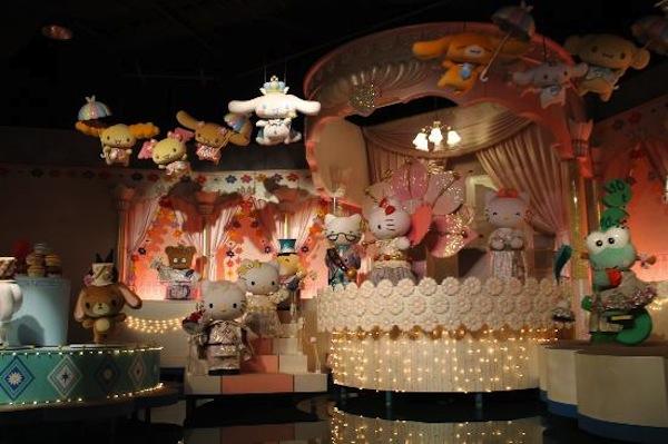 Parque Hello Kitty paseo en barco