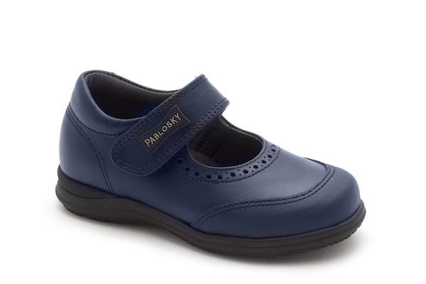 Zapatos colegiales clásicos en piel azul