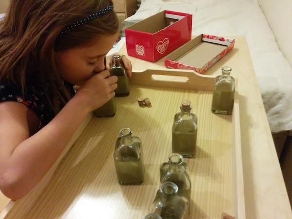 Bandeja sensorial Montessori