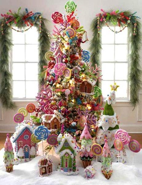 Árbol de navidad decorado con dulces