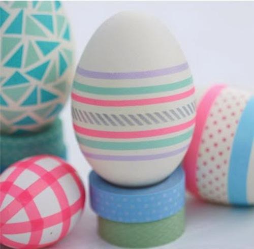 Huevos de pascua decorados con washi tape