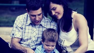 10 cosas que todo padre y madre debe dejar ir ahora mismo para ser más felices