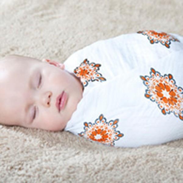 bebe con muselina aden anais