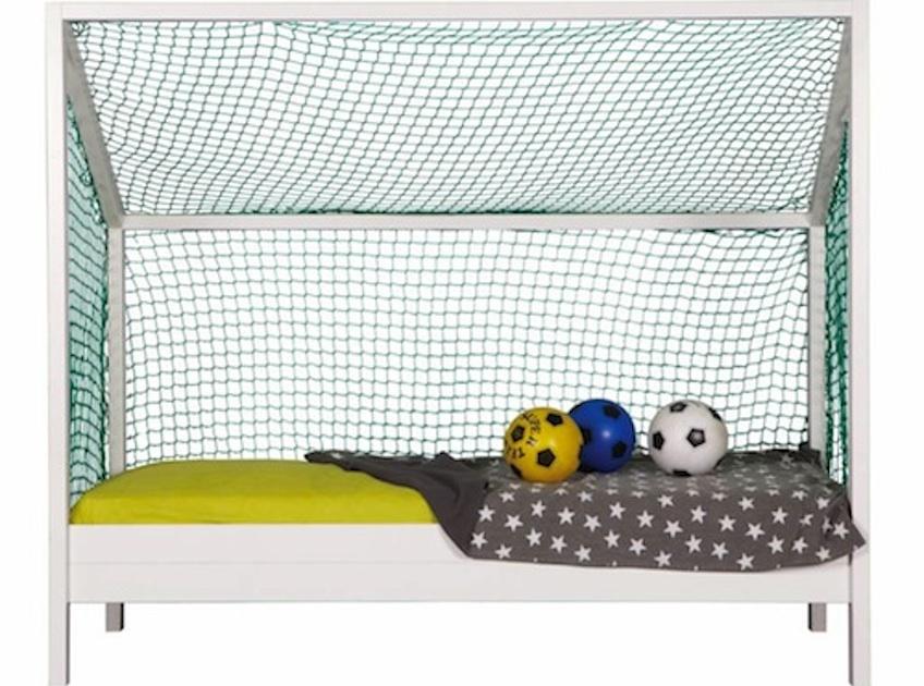 cama infantil futbol con balones