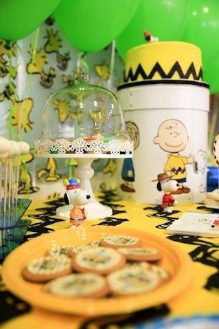 Base tarta de cumpleaños de Snoopy