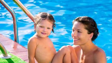 Elegir el mejor pañal de bebés para agua