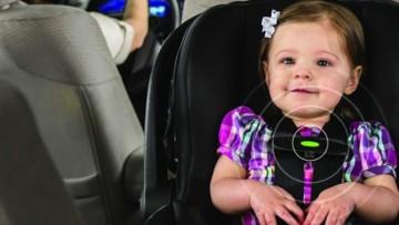Silla de coche para bebés con un sensor para evitar las muertes por un golpe de calor
