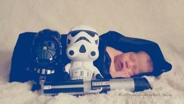 Sesión de fotos de un recién nacido inspirada en Star Wars