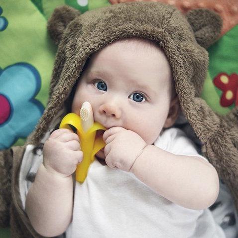 Cepillo de dientes para bebé con forma de plátano