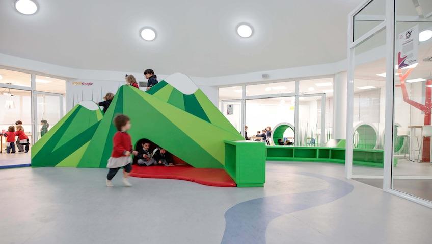 Zona de juegos escuela infantil diseño
