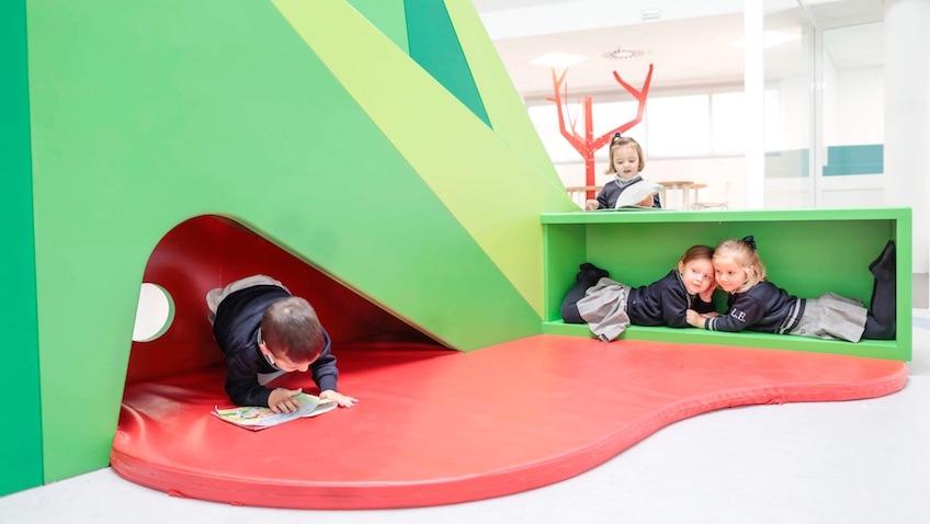 escuela infantil tobogan lectura