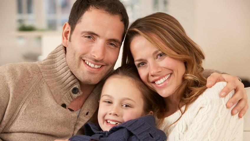 padre, madre e hija, mejores resultados al educar