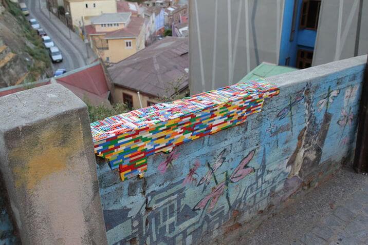 pared reparada con lego