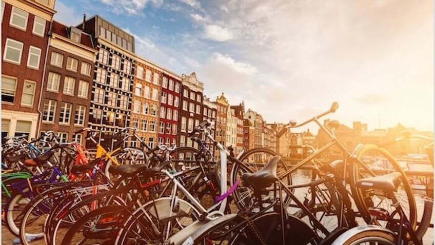 amsterdam bicicletas canal de fondo